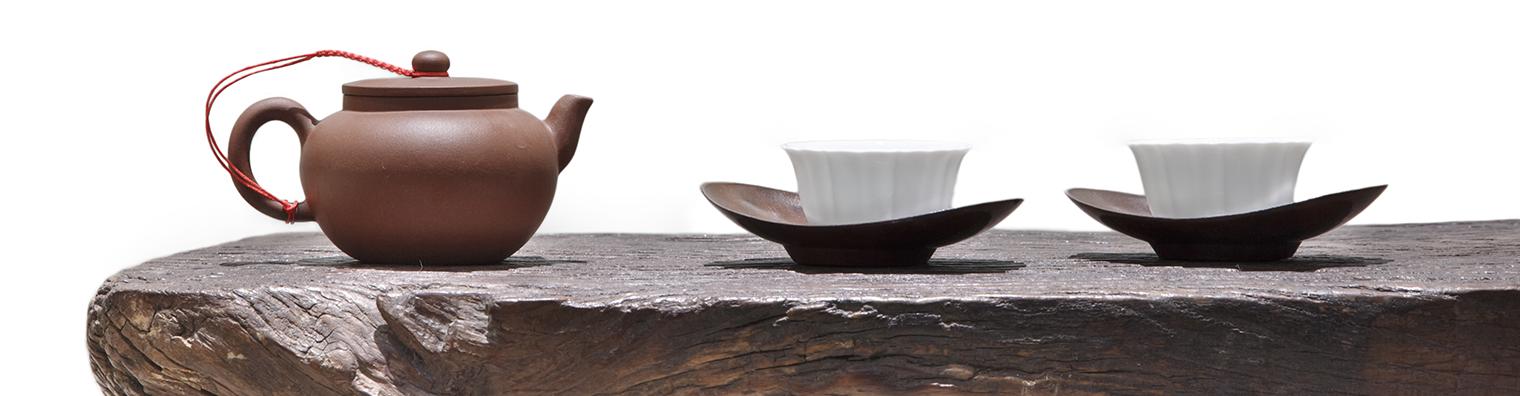 théière et tasses à thé-thé noir-thé vert